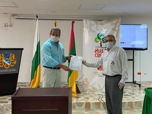 Comité de Cafeteros y Gobernación del Huila firman convenio para salvaguardar la cosecha